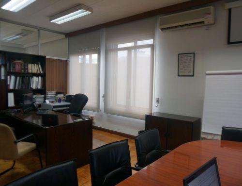 Cortinas para oficina: funcionales, luminosas y técnicas