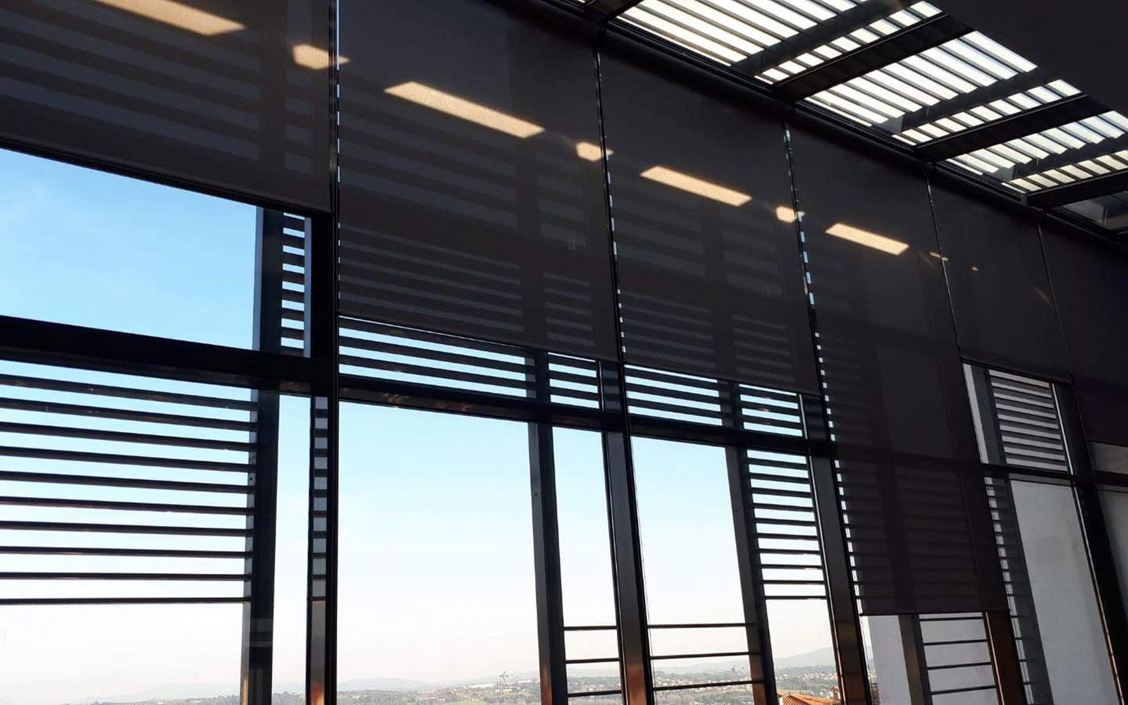 Interiorismo comercial screen motorizadas